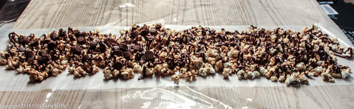 Super Duper Peanut Butter Cup Popcorn is a winning party snack!