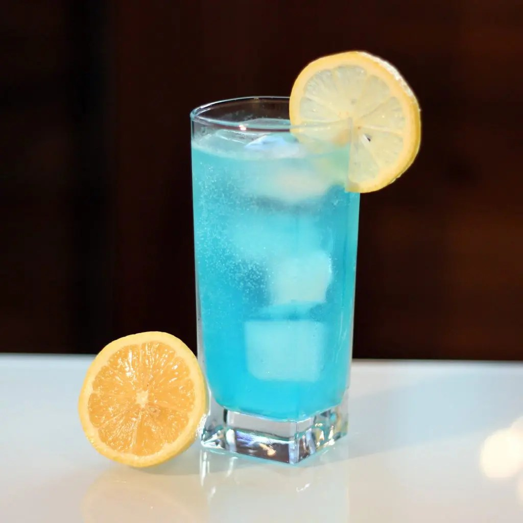 Blue Curacao Cocktail Alkoholfrei The Refreshing Electric Lemonade Drink On The Gas The Art