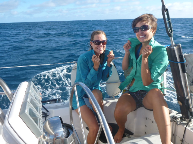 scuba diving in the tuamotus on the horizon line travel and sailing blog brianna and rob