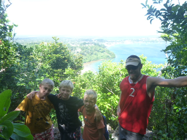 parent for one week in tonga - bri and rob sailing adventure