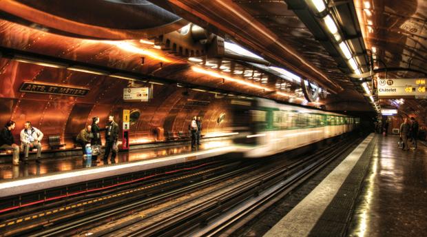 Arts et Metiers Paris metro Jules Verne style platform