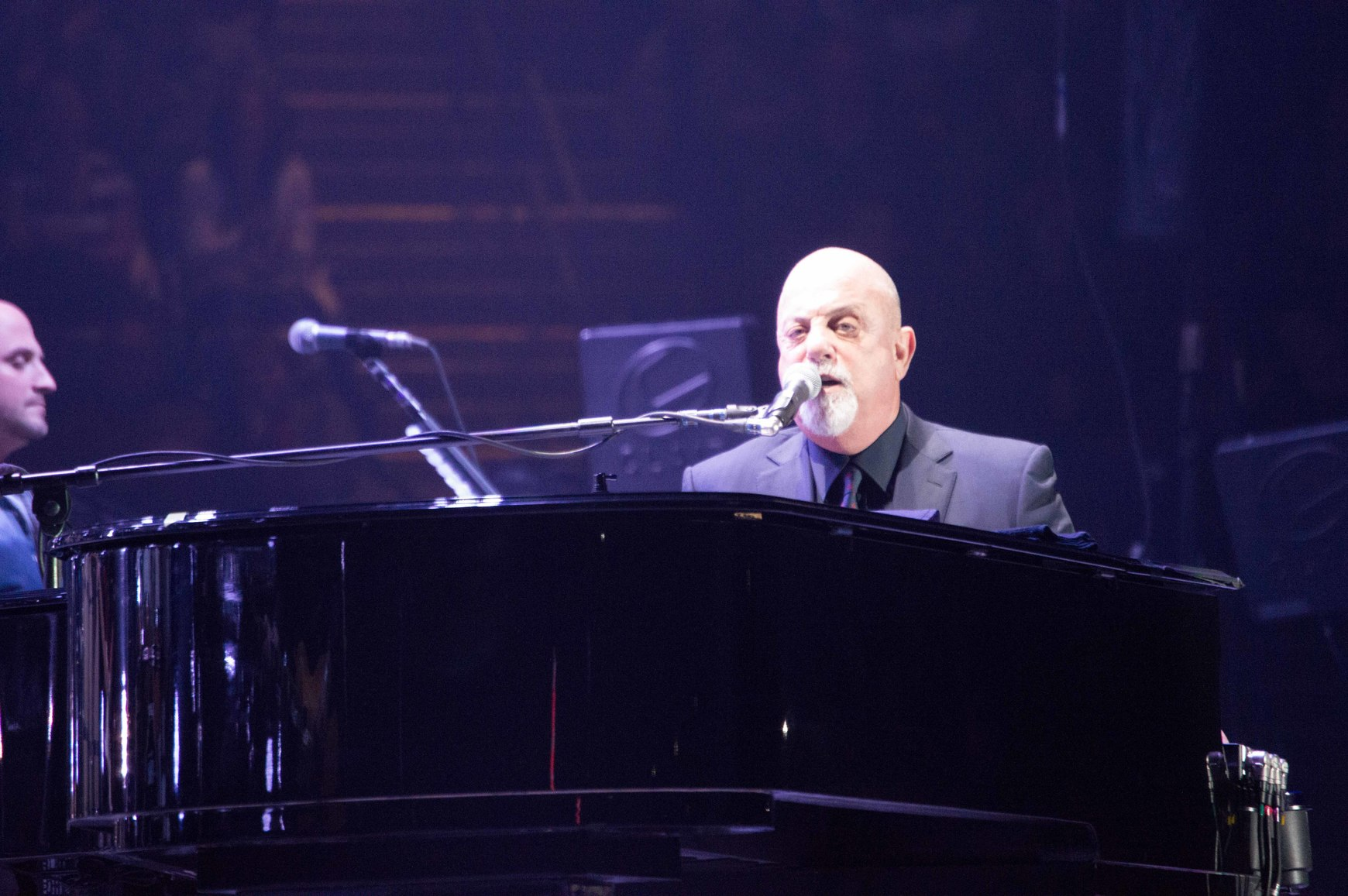 Billy Joel Piano Man 39piano Man 39 Billy Joel Electrifies Bryce Jordan Center
