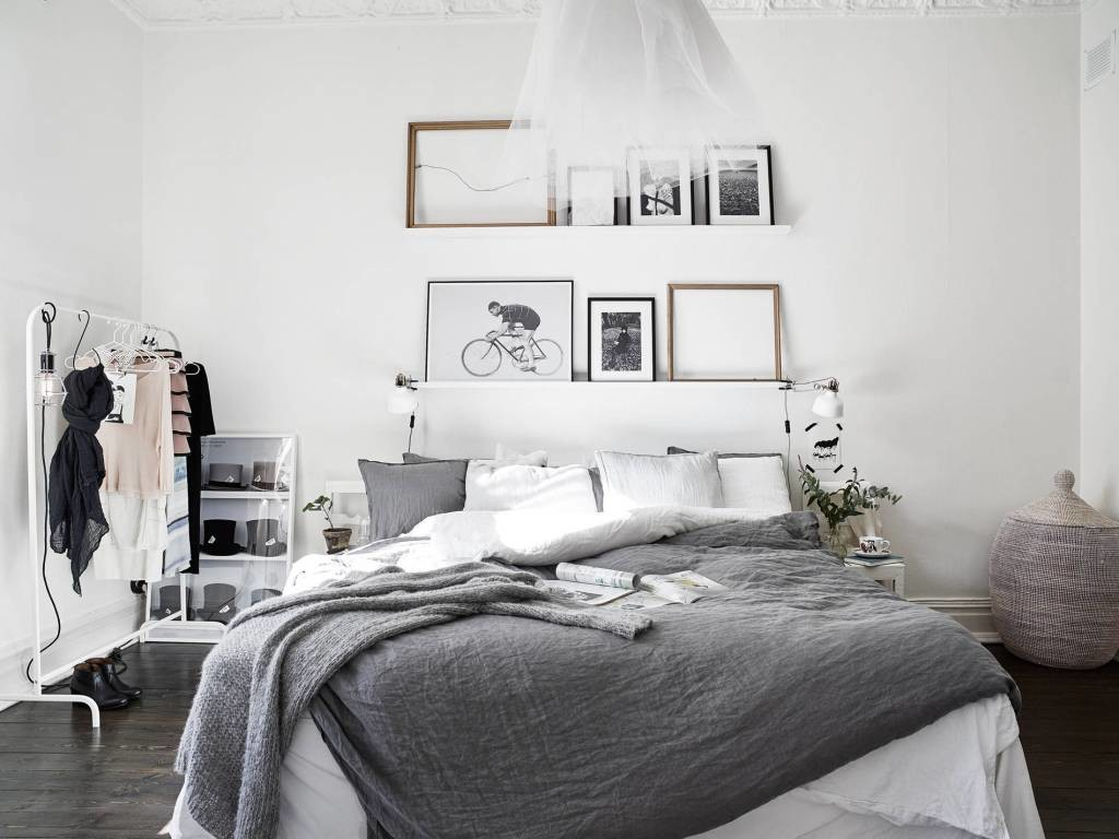 Black And White Artwork For Bedroom Artwork Ideas For The Master Bedroom Renovate Real Estate