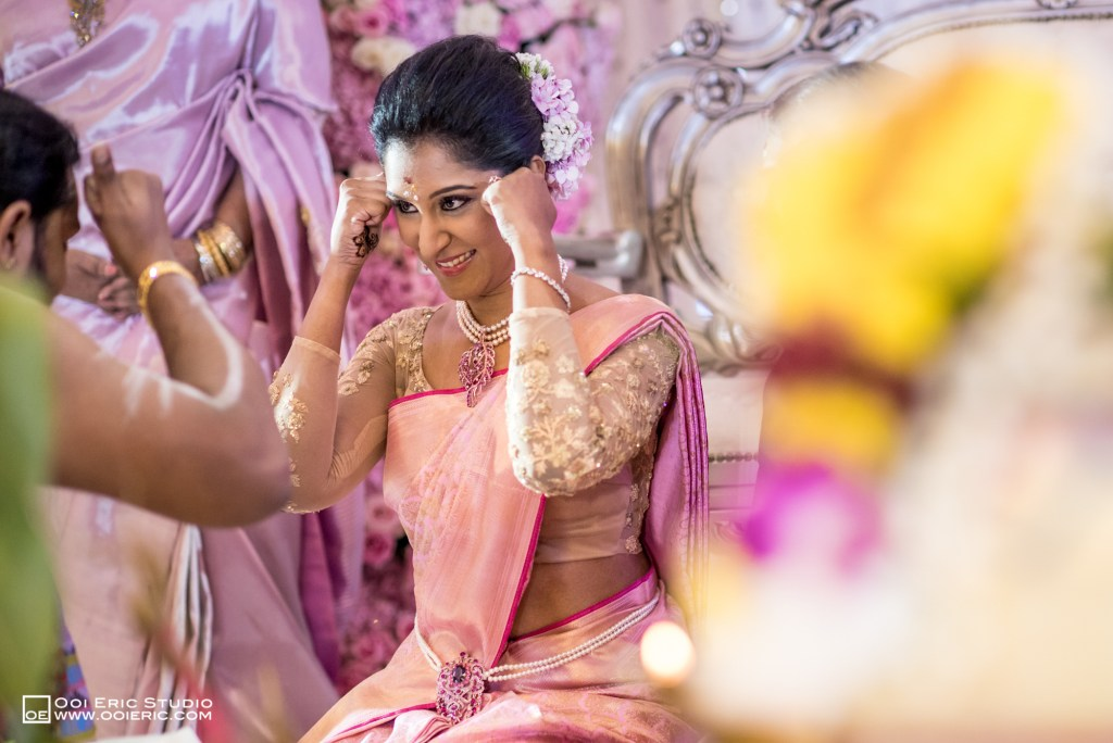 Satya-Priyya-Indian-Hindu-Wedding-Kuala-Lumpur-Malayisa-Singapore-Glasshouse-Sim-Darby-Convention-Center-St-Regis-Ceremony-ROM-Sangget-Nalangu-Ooi-Eric-Studio-48