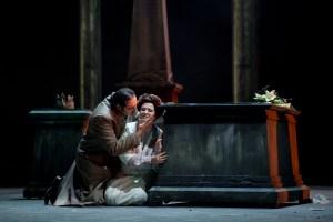 Stefano La Colla (Riccardo), Susanne Braunsteffer (Amelia)  ©Thomas M. Jauk / Stage Picture
