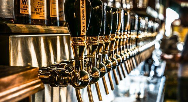V Bratislave chystajú najväčší remeselný pivný bar