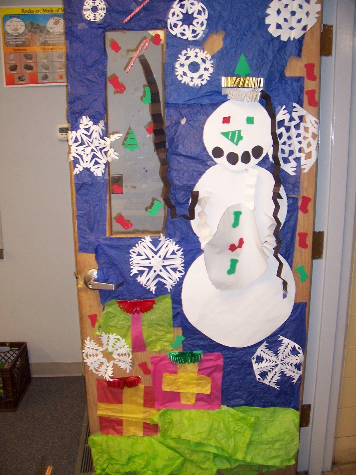 Holiday Door Decorating School