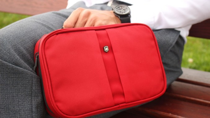 business-man-travel-accessoire-kosmetiktasche-toiletry-bag-victorinox (4)
