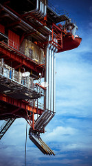 oil rig photo