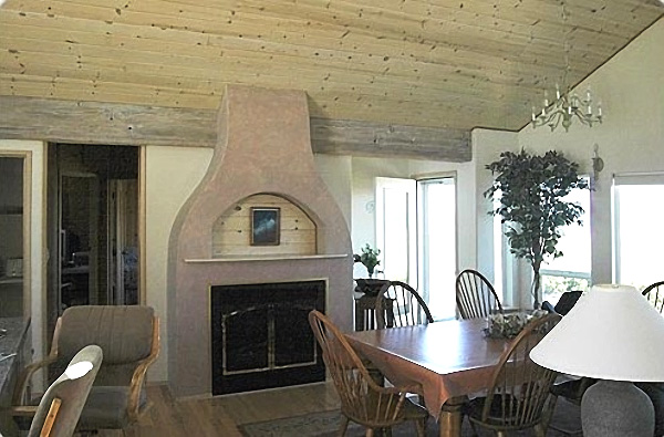 Brigadune Dining area with Fireplace