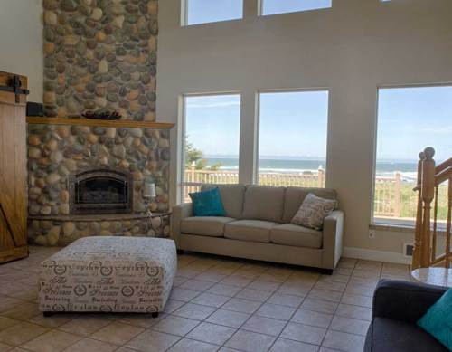 Great Room at the Pacific Breeze Beach House