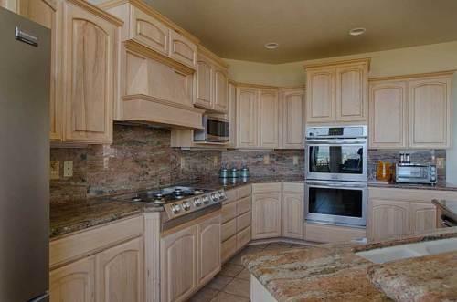 DSC_4040_Kitchen-Grill-Ovens