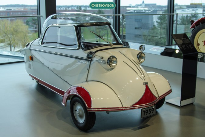 Messerschmitt - o alemão meio carro, meio moto