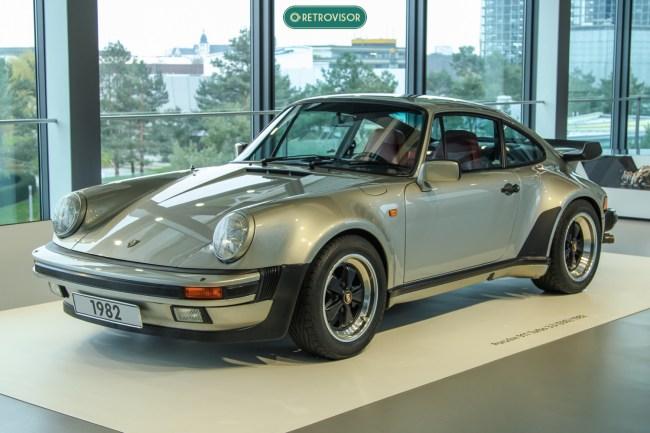 Porsche 911 Turbo - belíssima combinação de cores, lindas rodas