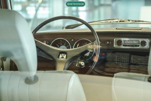 Se por fora o design da Type 4 é duvidoso, o interior é um espetáculo a parte para amantes da VW