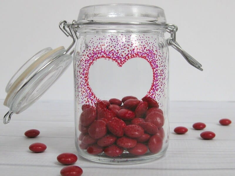 How to Use a Sharpie Marker on Glass to make an easy Valentine's Day Gift