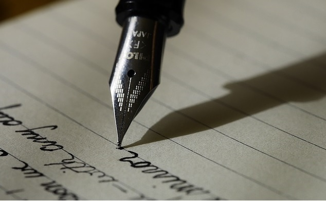 boligrafo escribiendo