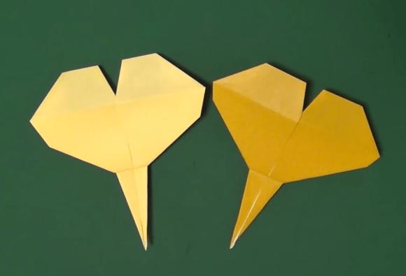 イチョウの葉の折り紙