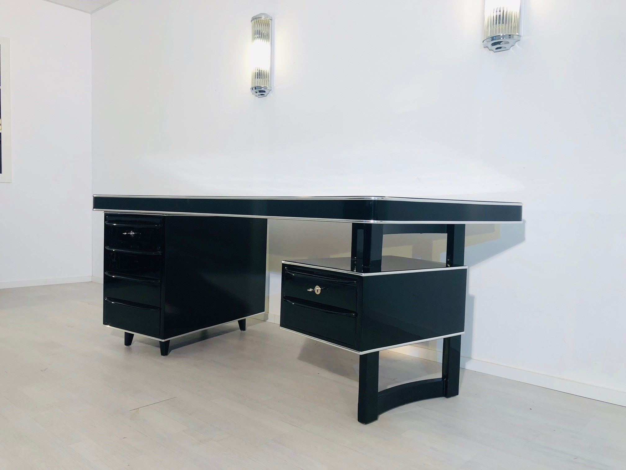 Schreibtisch Design Sale 1950s Bauhaus Desk In High Gloss Black