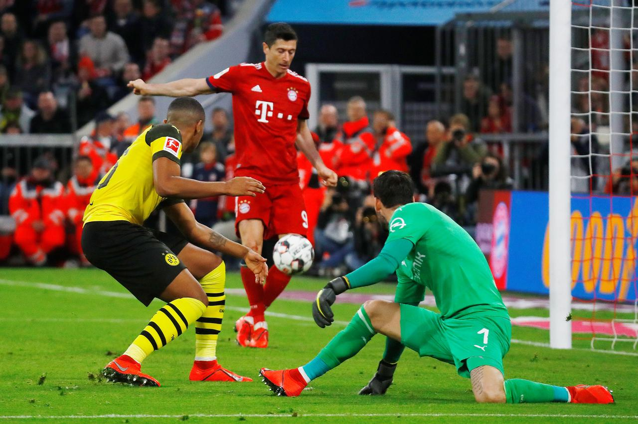 Facebook Dortmund Bayern Thrash Dortmund 5 To Take Bundesliga Lead Odisha News