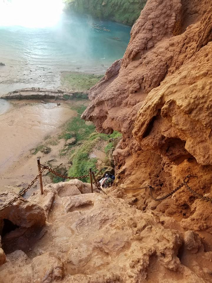hike down mooney falls in havasu