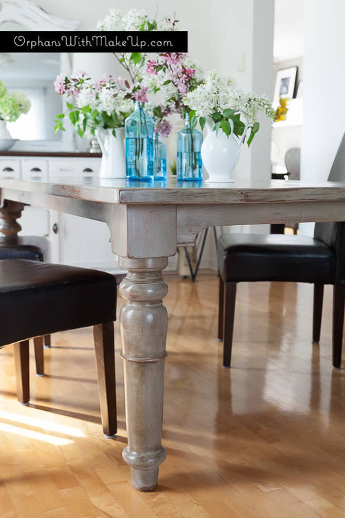 RUSTIC DINING TABLE & BLOSSOMS