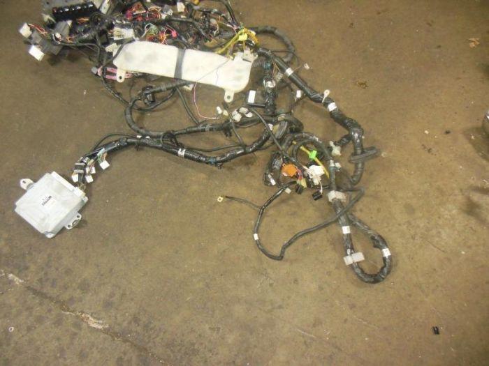 used jdm SUBARU WRX STI VERSION 7 ENGINE WIRING HARNESS DASH HARNESS
