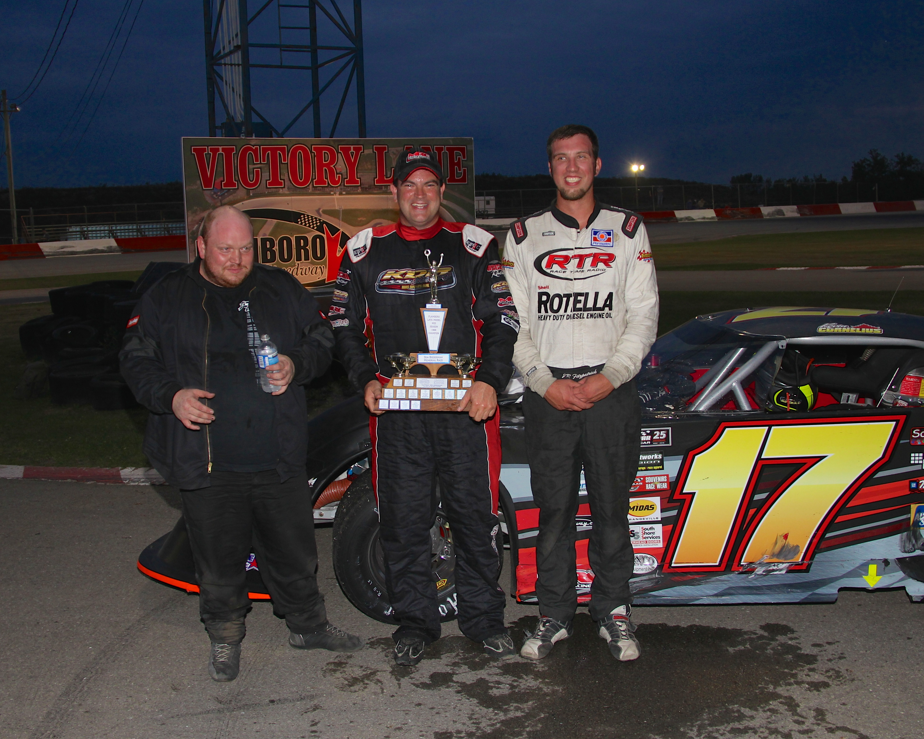 Speed Way Cornelius Harper And Bound Celebrate Victory At Flamboro Speedway