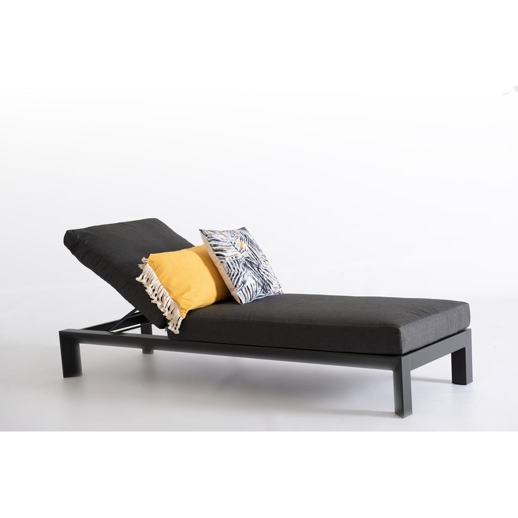 Hang Ligbed Own Living Calder Ligbed Met Kussen Charcoal