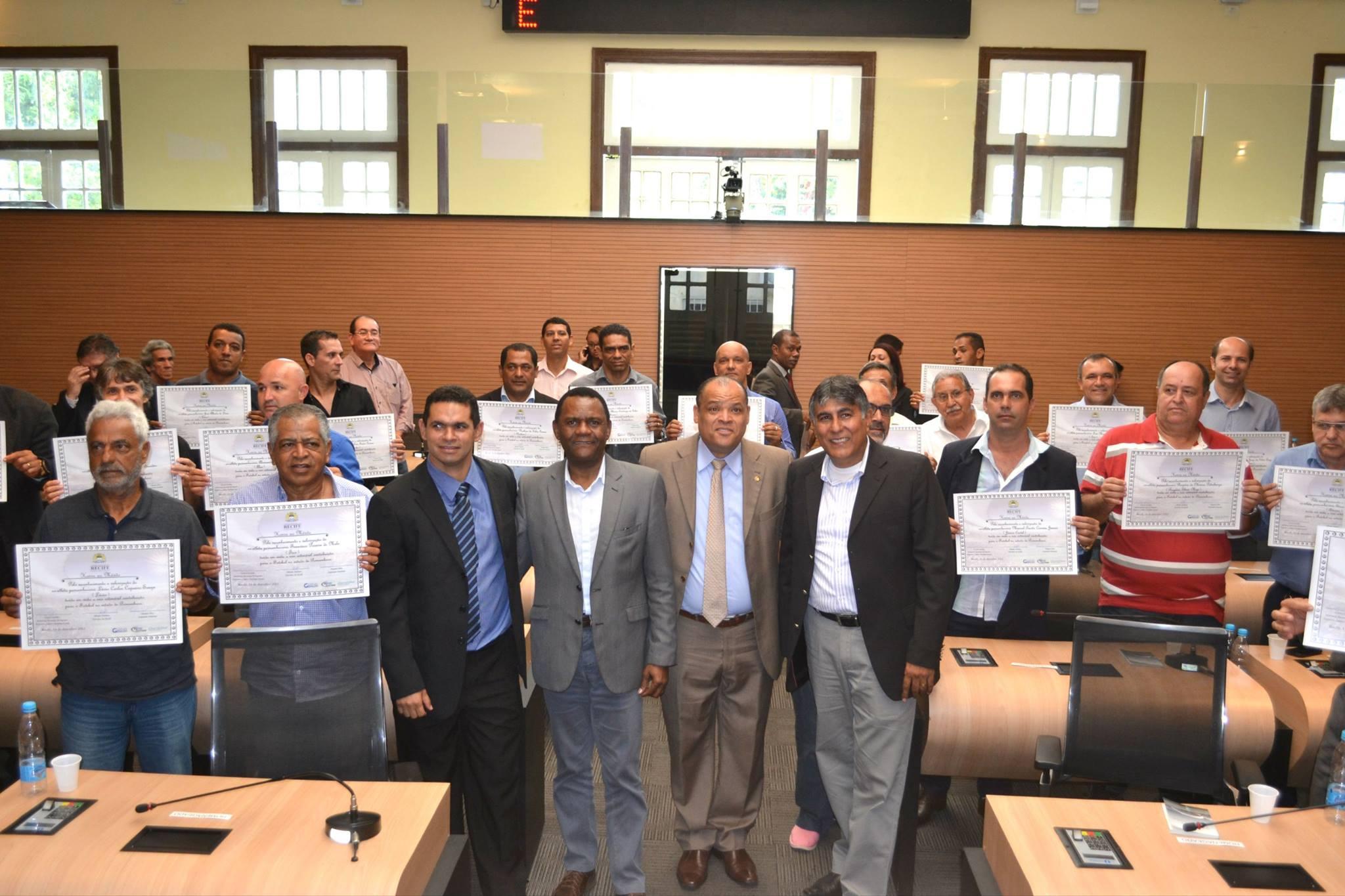 Associação de Garantia ao Atleta Profissional de Pernambuco recebe homenagem