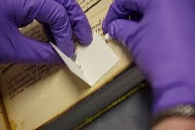 Borracha escolar resolveu mistério de pergaminhos medievais