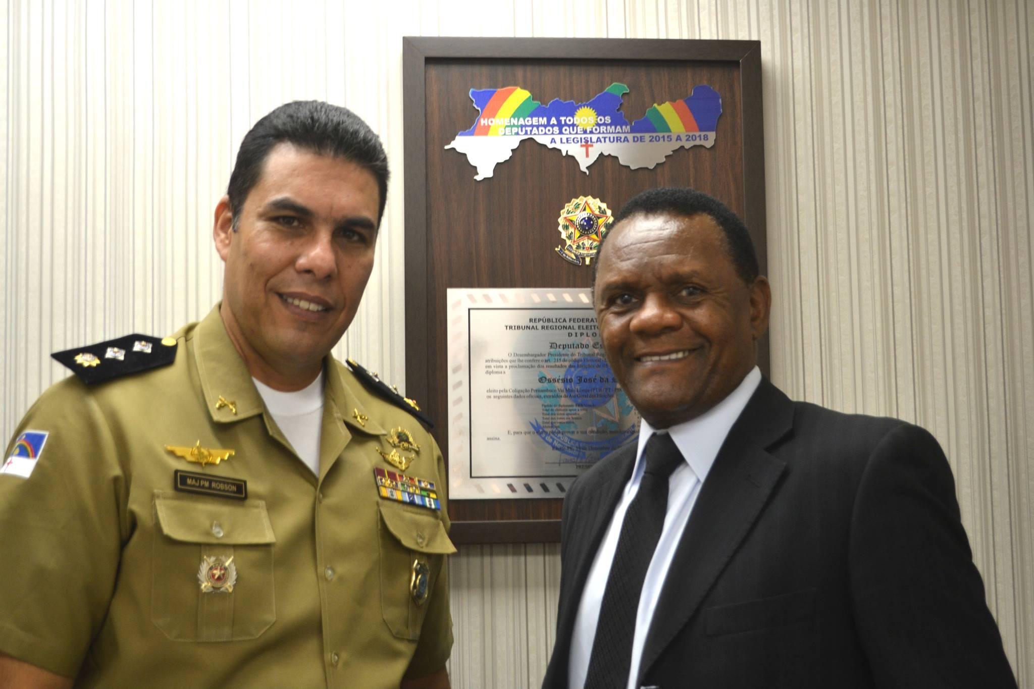 Deputado Ossesio recebe major Robson Cordeiro
