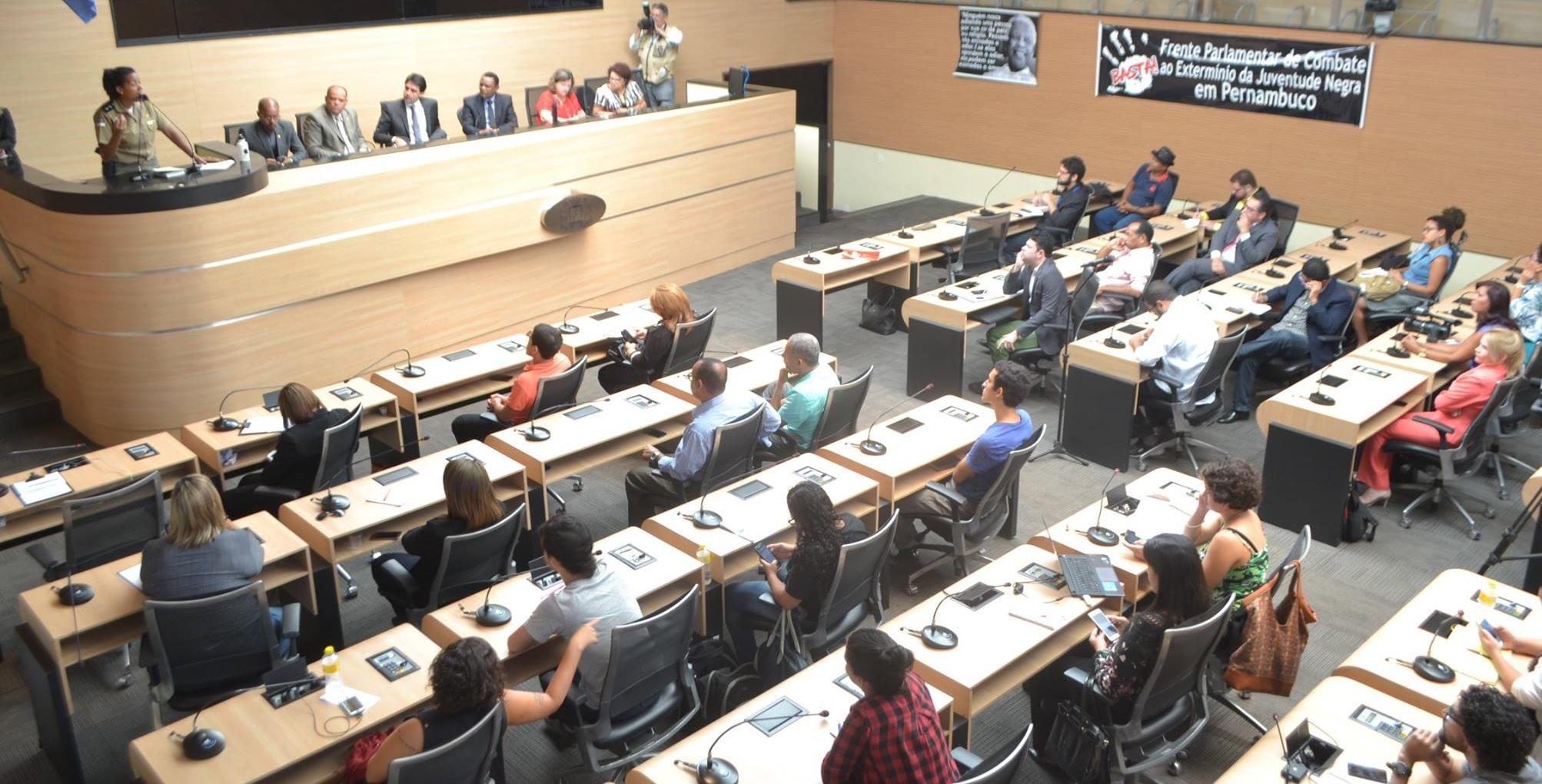 Jovens Negros – Frente realiza audiência no Recife