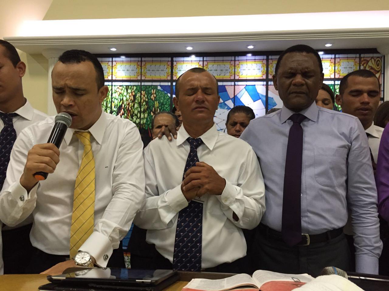 Universal – Bispo Ossesio participa de Concentração em Surubim