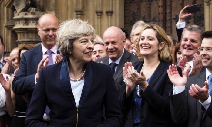 Primeira-ministra do Reino Unido é uma cristã comprometida