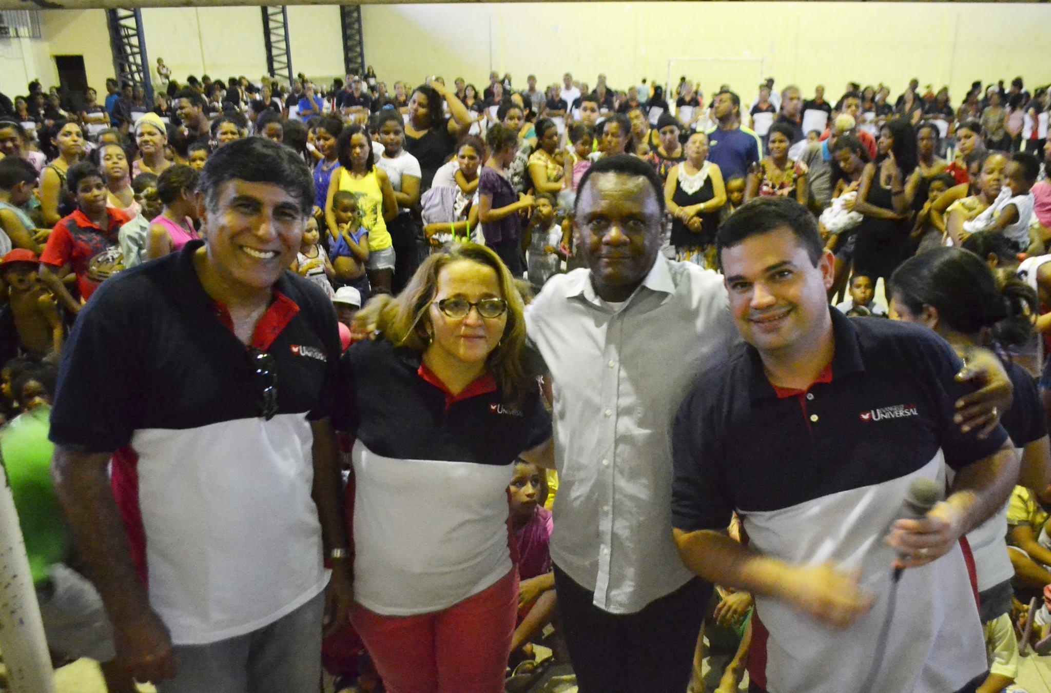Agente da Comunidade – Ossesio Silva e Carlos Geraldo participam de Ação Social na comunidade do Coque  no Recife