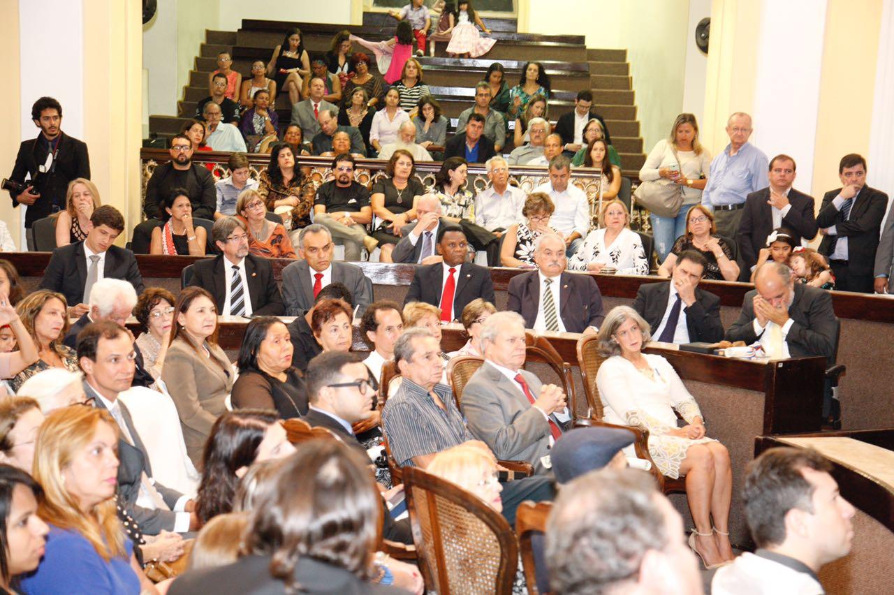 Ossesio participa de homenagem a  personalidades com Medalha Leão do Norte