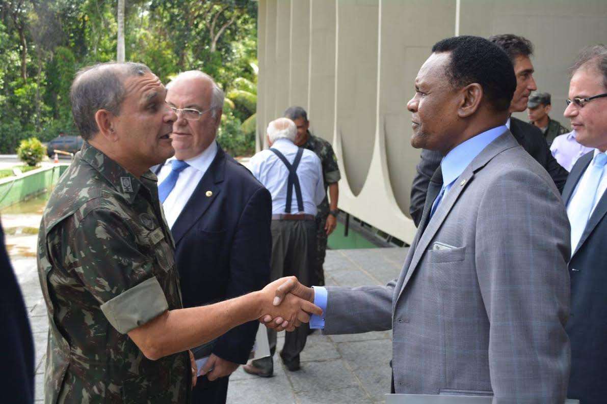 Deputado Ossesio conhece Operação Carro-Pipa do Comando Militar do Nordeste