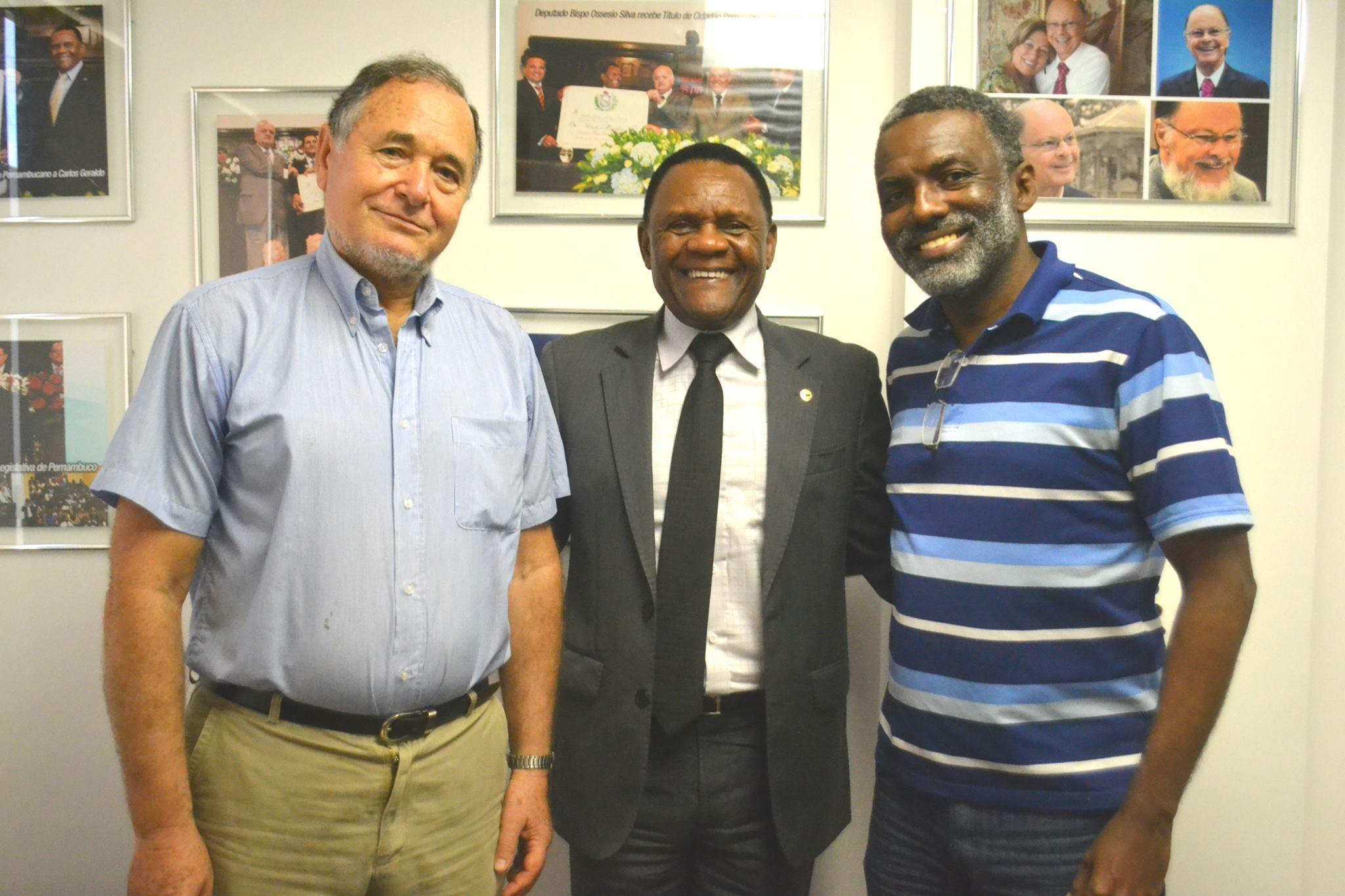 Deputado Ossesio recebe representantes da Associação Nordeste África