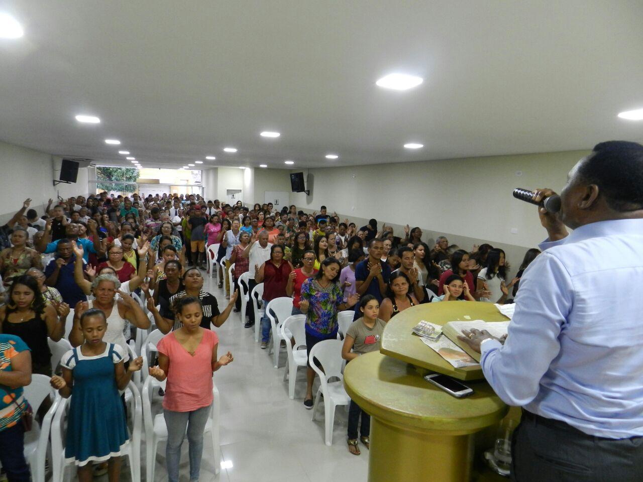 Bispo Ossesio inaugura mais nova Universal em Condado