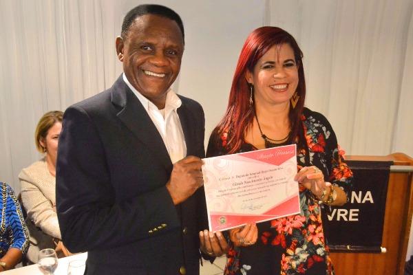 Ossesio Silva discute violência contra mulher em palestra na cidade de Olinda (PE)
