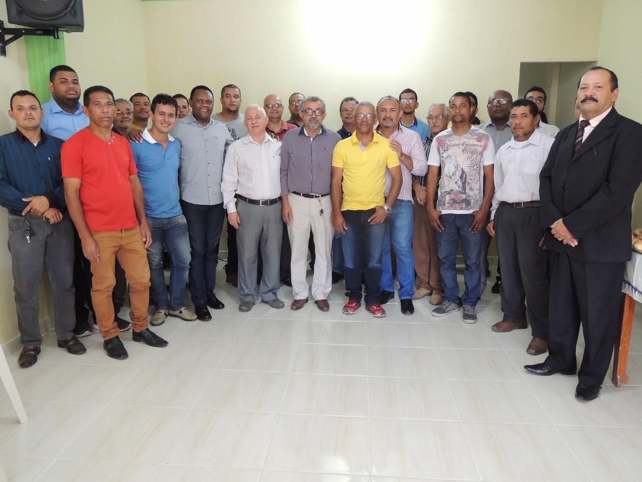 Deputado Ossesio Silva visita lideranças em Pesqueira