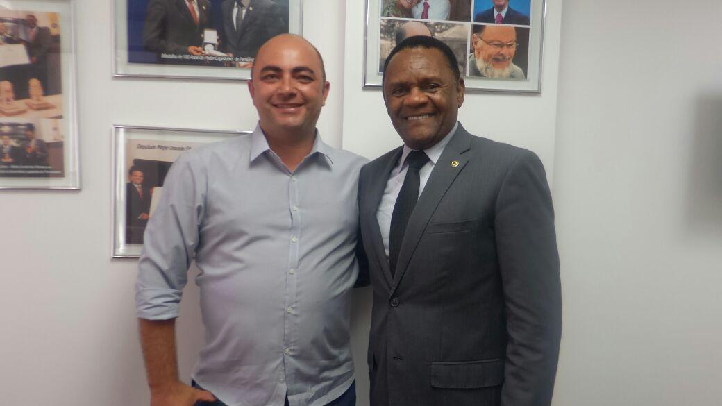 Deputado Ossesio Silva recebe vereador André Maio de Serra Talhada