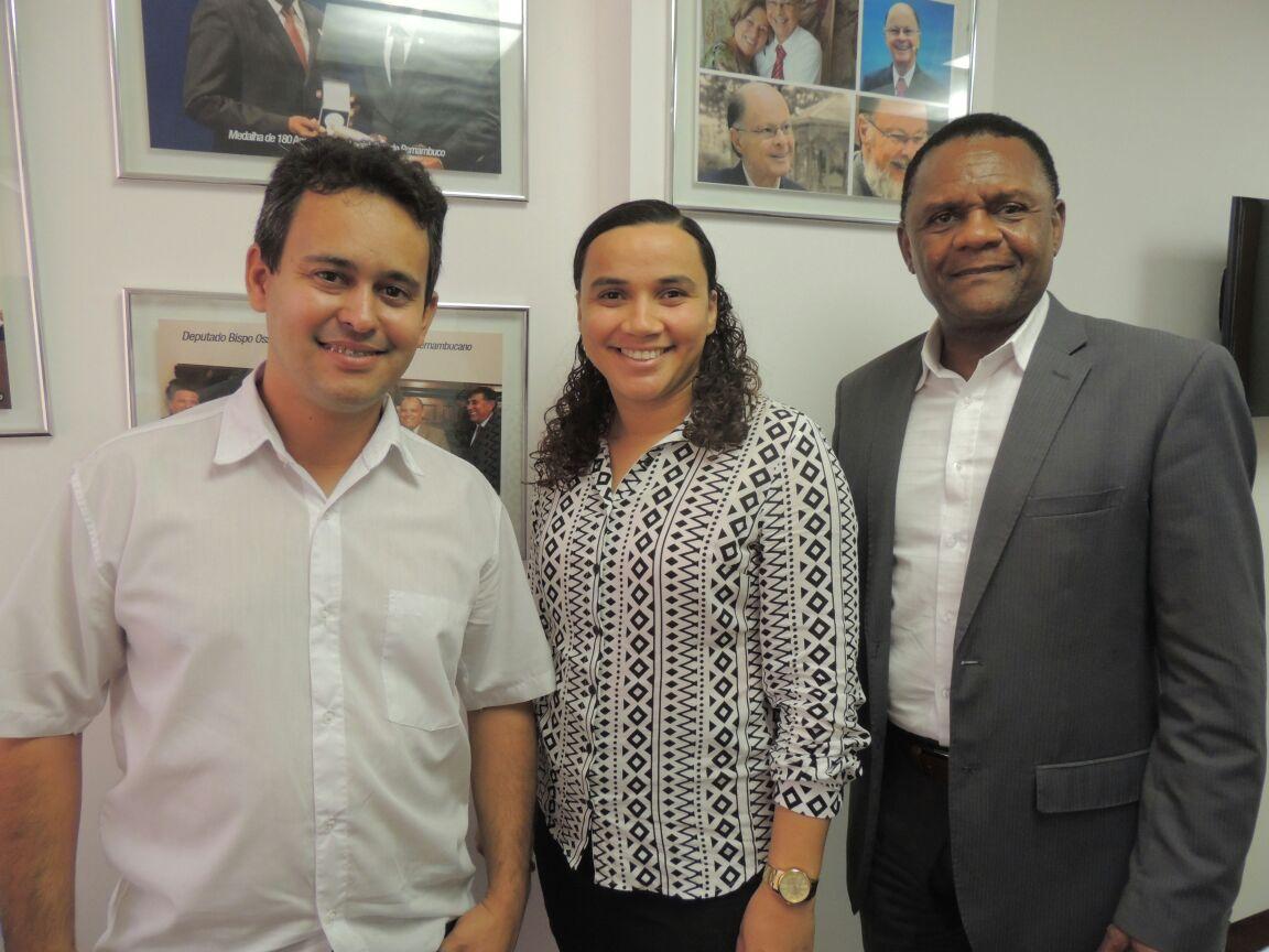Deputado Ossesio Silva recebe lideranças de Pesqueira