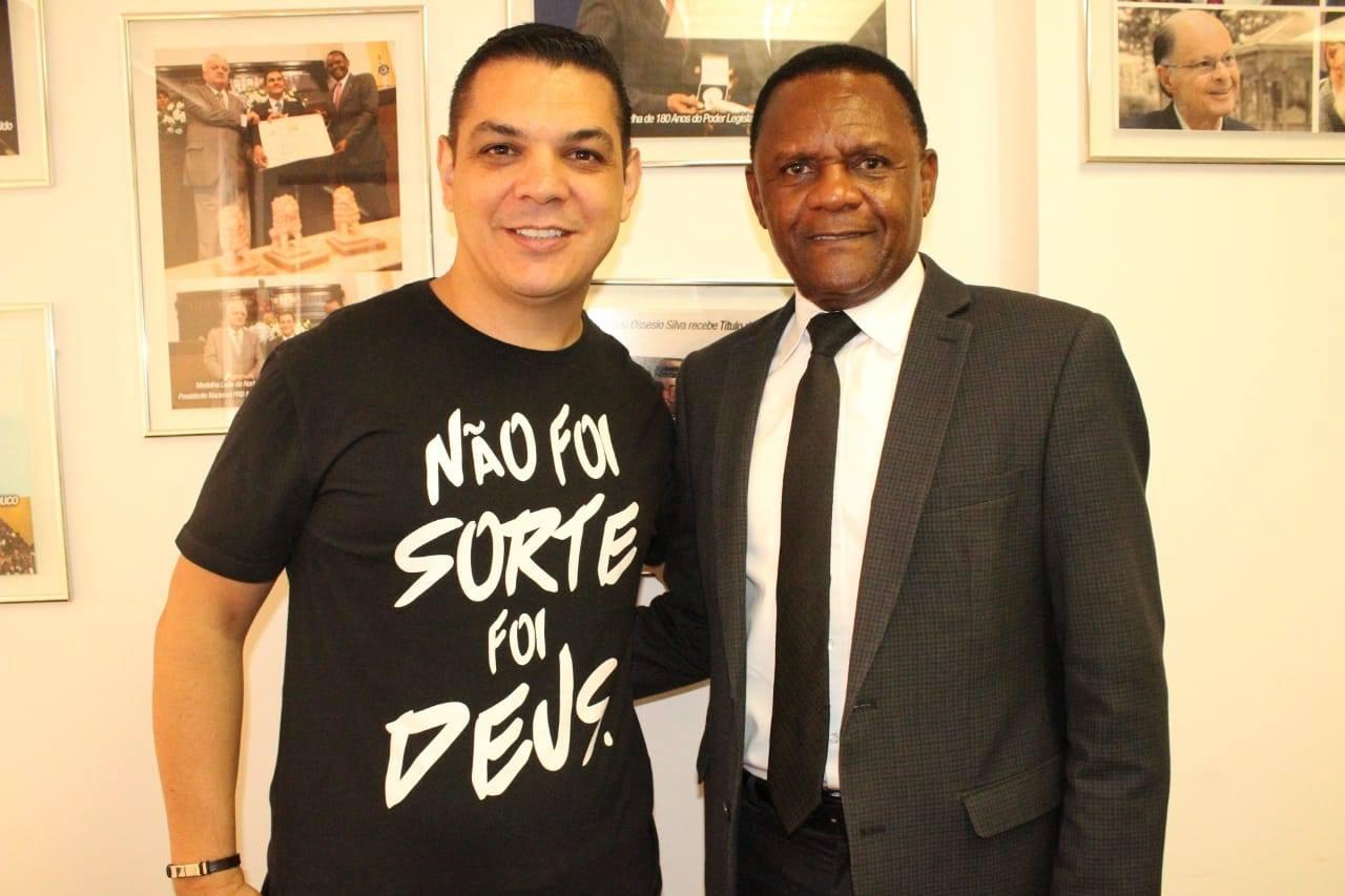 Deputado Ossesio fortalece apoio a projetos para juventude