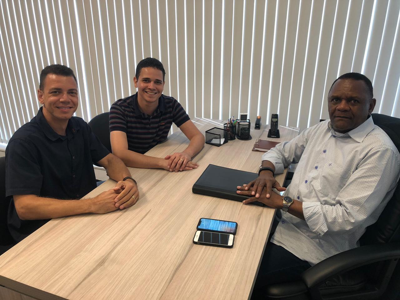 Em Pernambuco, Ossesio Silva se reúne com lideranças das cidades de Recife e Camaragibe