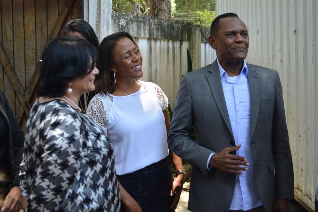 Ossesio Silva visita Centro de Referência Clarice Lispector com a ministra Damares Alves