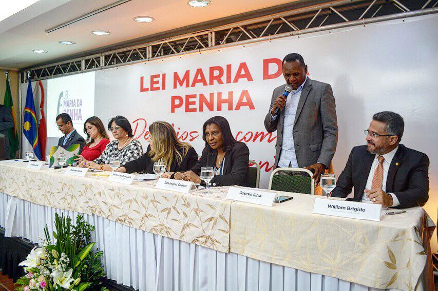 Ossesio Silva discute combate à violência contra a mulher no Recife