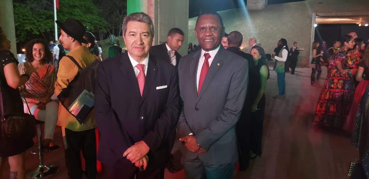 Ossesio Silva prestigia o 209º aniversário da Independência do México em Brasília