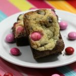 Brownie Chocolate Chip Bars Filled with Strawberry M&Ms #Recipe